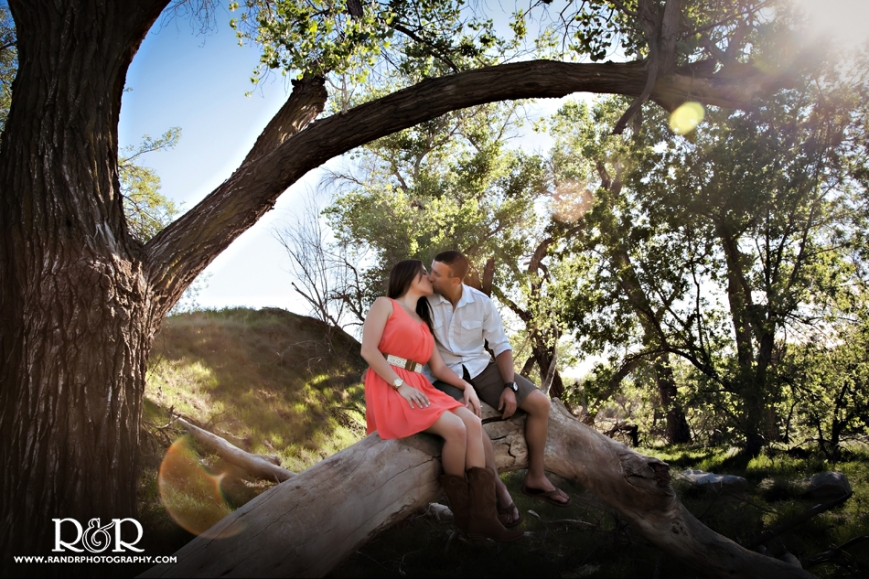 j1258-01-los-angeles-engagement-photographer-iron-horse-trailhead
