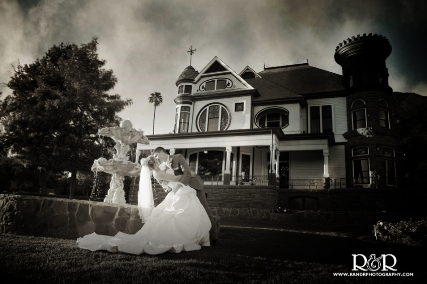0149__Ashley&Mason-alt-BW-NewhallMansion-J1354
