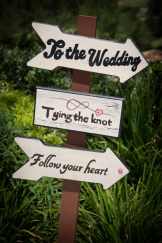 braemar-country-club-wedding-1304-cute-signs-18