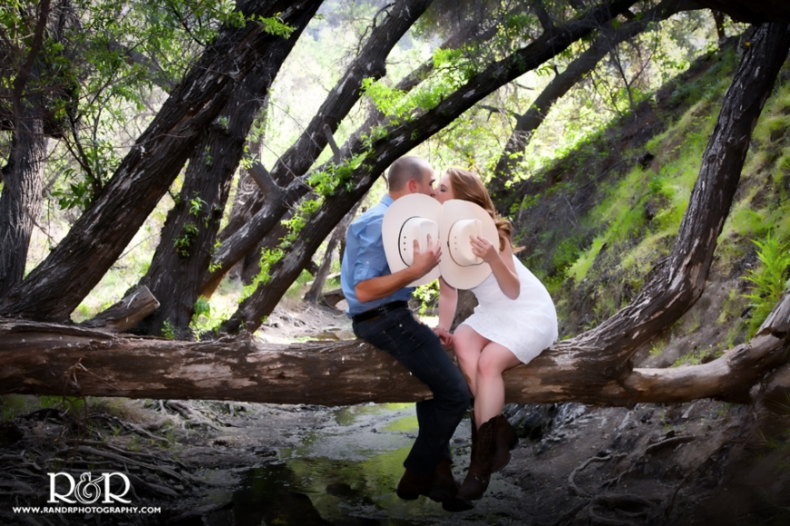 0014_8572_Dani&Robert_Malibu-Creek-engagement-J1487